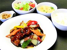 黒酢の酢豚定食